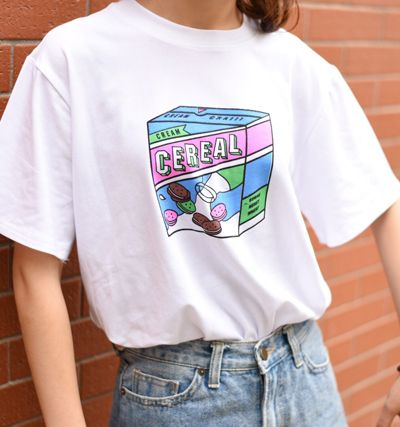 biały t shirt cereal