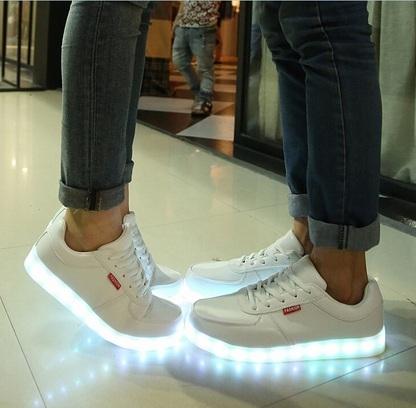 buty adidas superstar świecąca podeszwa złote