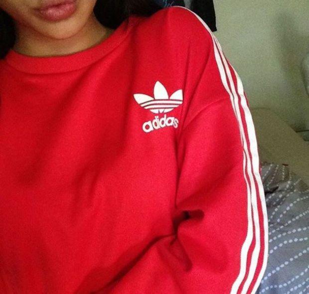 Czerwona bluza adidas 3 paski