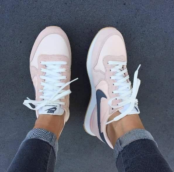 buty nike pudrowy róż damskie