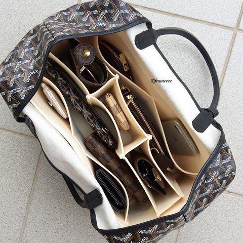c80da3e292fb7 Torebka z przegródkami w środku - gdzie kupić ? , #torebka, #organizer,  #torebkadamska, #torebkanaramię, #torebkazprzegródkami